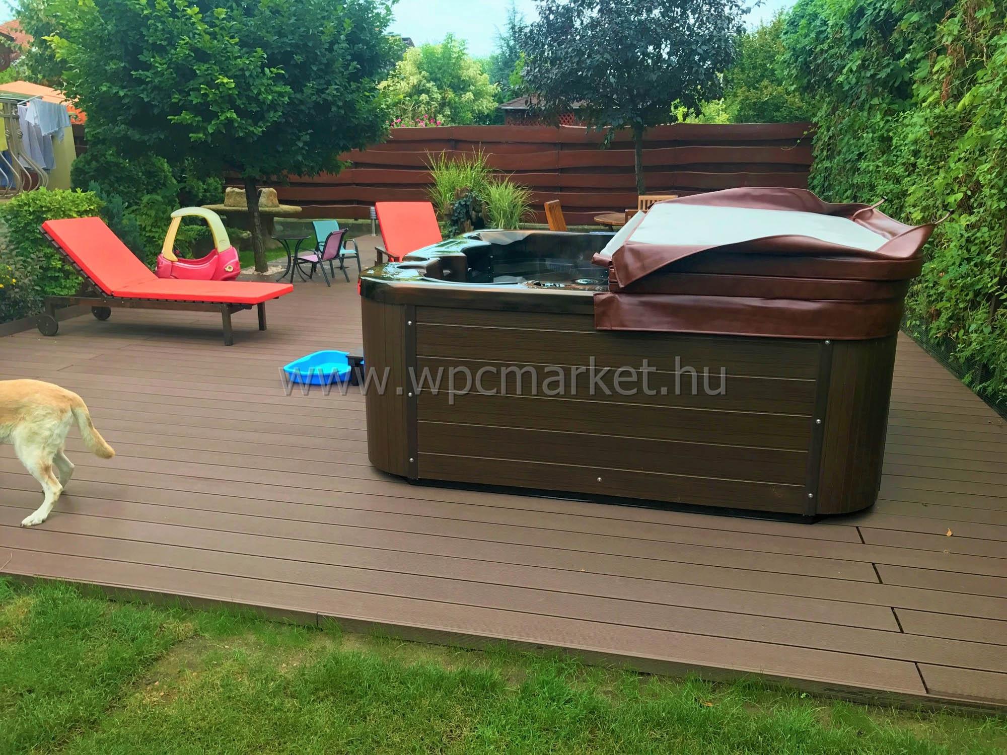 Sötétbarna Premium Classic WPC terasz burkolat, Kispest
