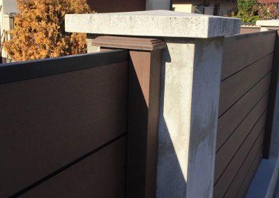 Sötétbarna WPC kerítés udvarhoz, Kecskemét