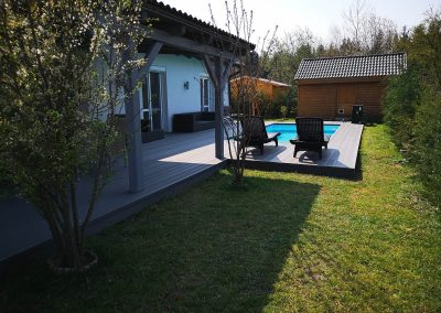 Világosszürke Premium Classic WPC medence burkolat, Sopron