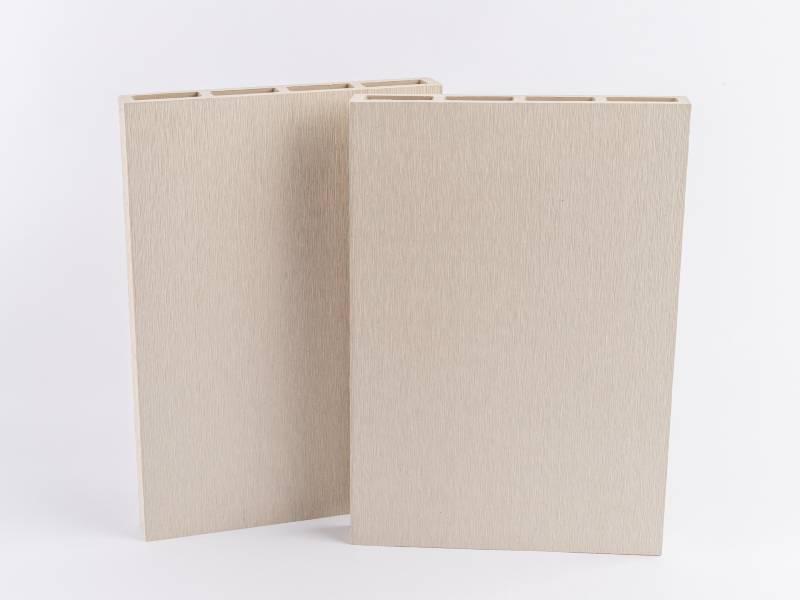 Egyszerű kialakítás, modern, sima felület? Akkor a Sima Fehér Simple kerítésrendszer az Ön megfelelő választása!